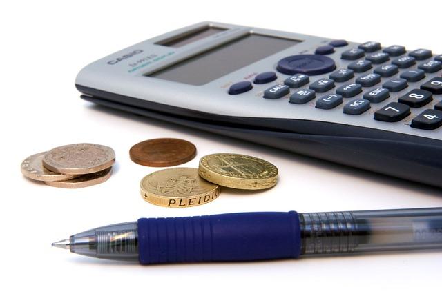 mince, tužka a kalkulačka.jpg
