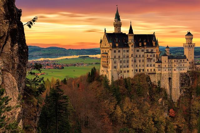 červánky nad hradem